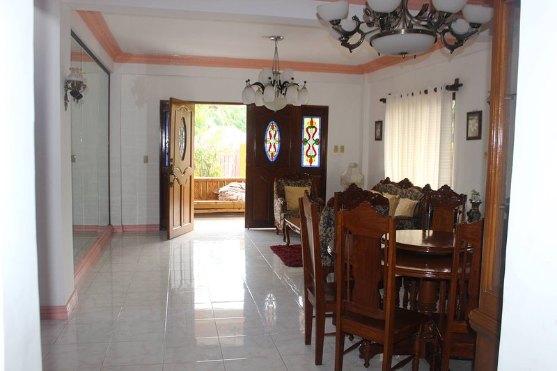 ROSALES GUEST HOUSE - Entire 3 story house for rent, vacation rental in Marinduque Island