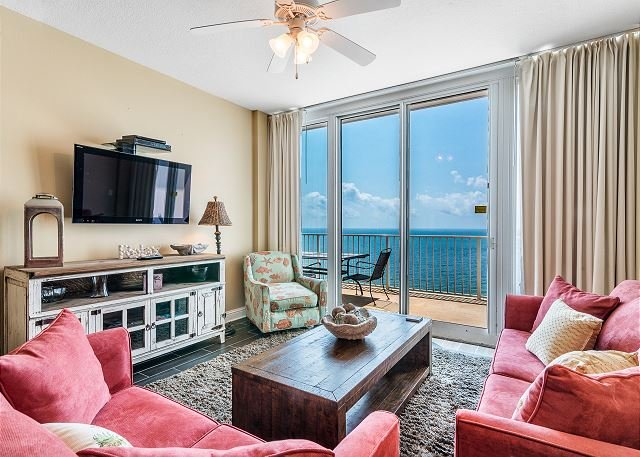 Lighthouse 1605 ~ Awesome Beach View ~ Lovely Condo ~ Bender Vacation Rentals, location de vacances à Gulf Shores