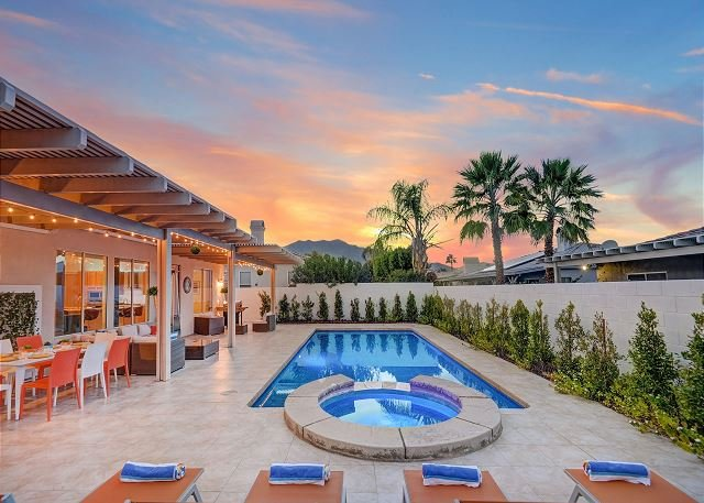 Beautiful Villa Sandrose Home with Saltwater Pool & Spa, alquiler de vacaciones en Greater Palm Springs