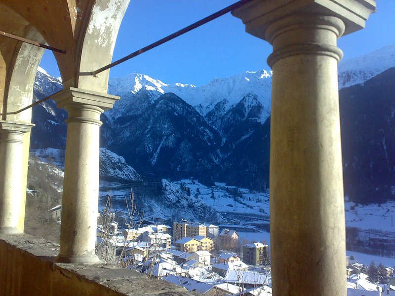 WEEK END A BORMIO (Vicinanze a 14 km ), vacation rental in Vione
