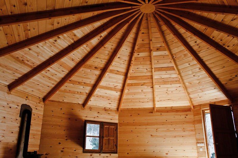 Yurt for holidays, holiday rental in Carataunas