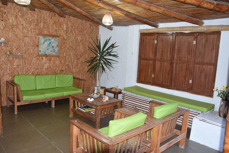 La Casa Maruja hospitalidad, tranquilidad, diversión, playa, deportes acuáticos., holiday rental in Punta Hermosa
