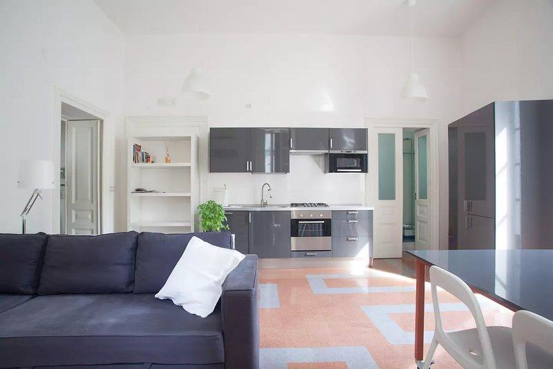 Il soggiorno-cucina Your dining room with the kitchen