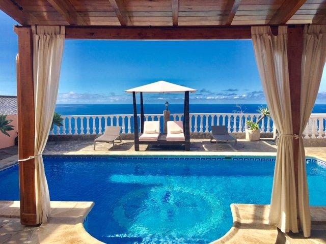 Casa Helen. Privater beheizter Pool mit Blick auf den Atlantik. (4 x 8 Meter)