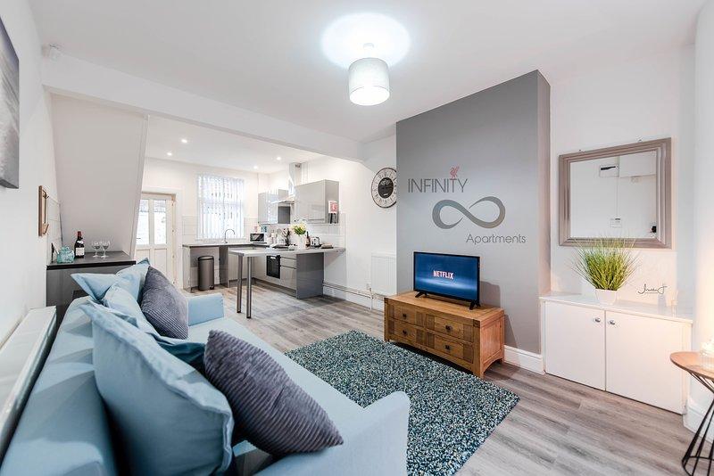 Infinity Apartments Harrow Road, casa vacanza a Kirkby