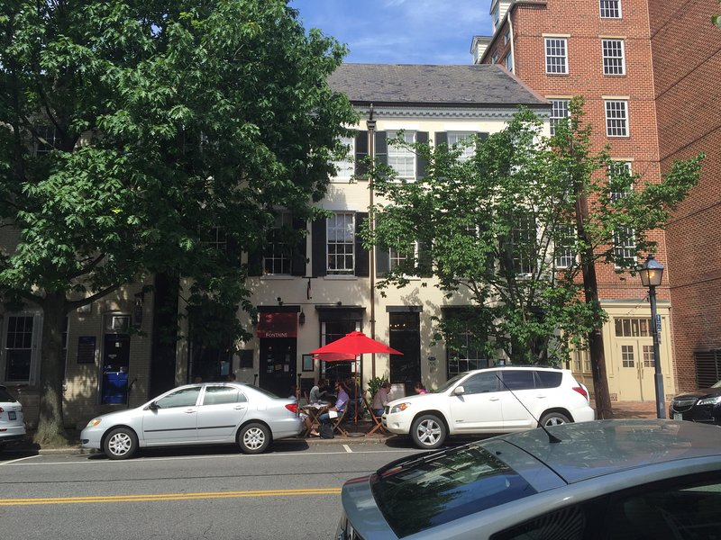 Heart of historic Old Town, Alexandria, vacation rental in Alexandria