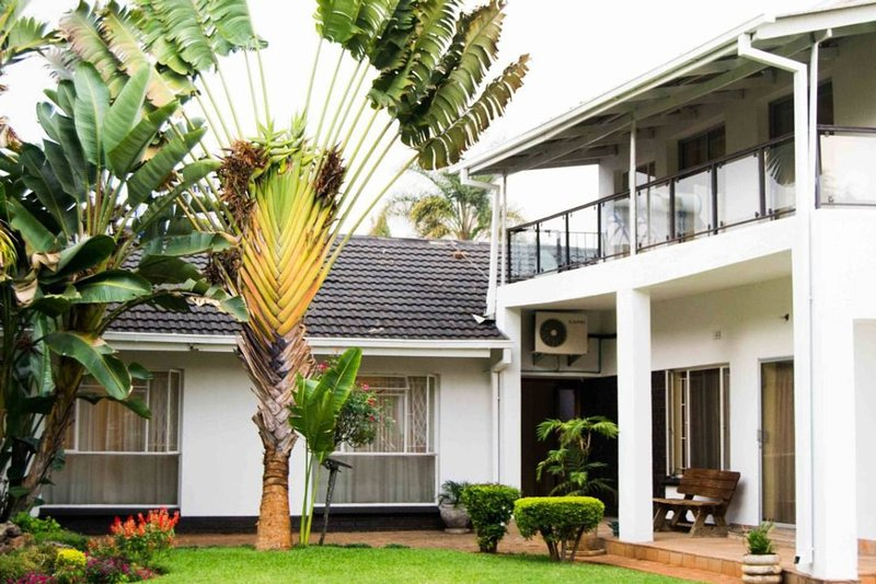 Chic,Luxurious ,Spacious house minutes from city, vacation rental in Harare