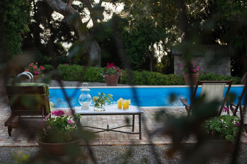 private swimmingpool Villa Feia
