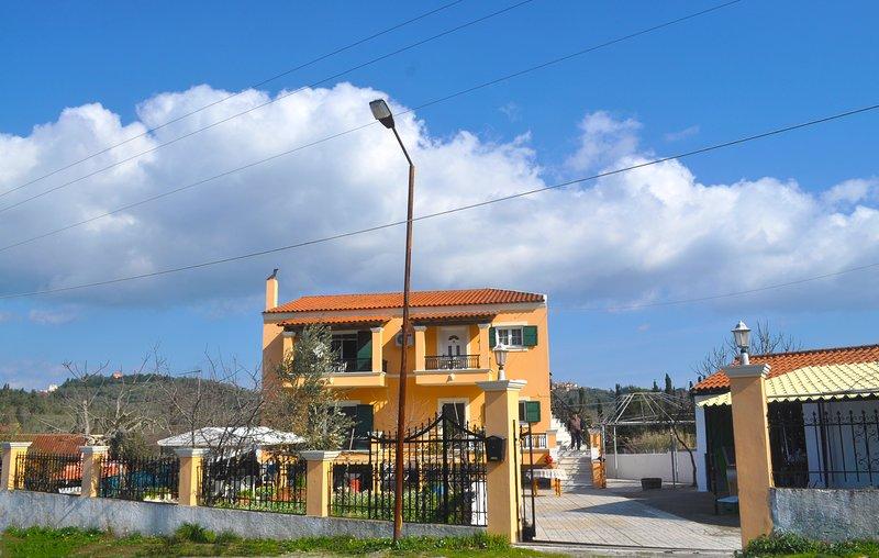 Sinarades House in Sinarades Corfu, holiday rental in Kalafationes