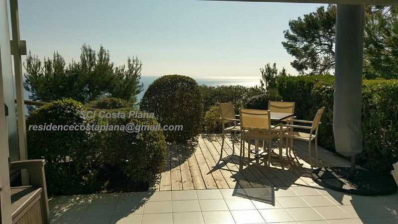 Résidence Costa Plana Studio 4 personnes,terrasse,vue mer,parking,piscine, vacation rental in Monaco-Ville