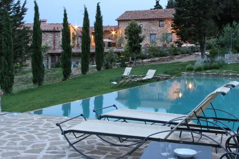 Barberino Val d'Elsa Villa Sleeps 15 with Pool Air Con and WiFi - 5218189, aluguéis de temporada em Barberino Val d'Elsa