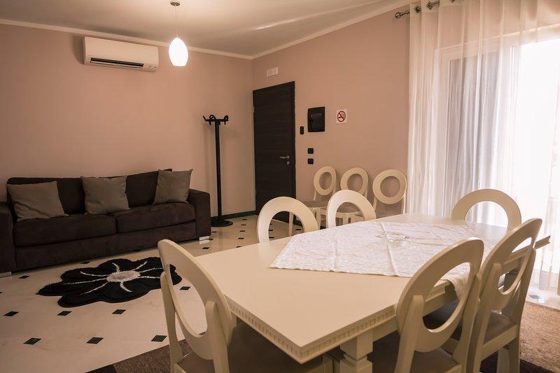 Pandora Residence Deluxe Apartment, location de vacances à Daias-Barabas