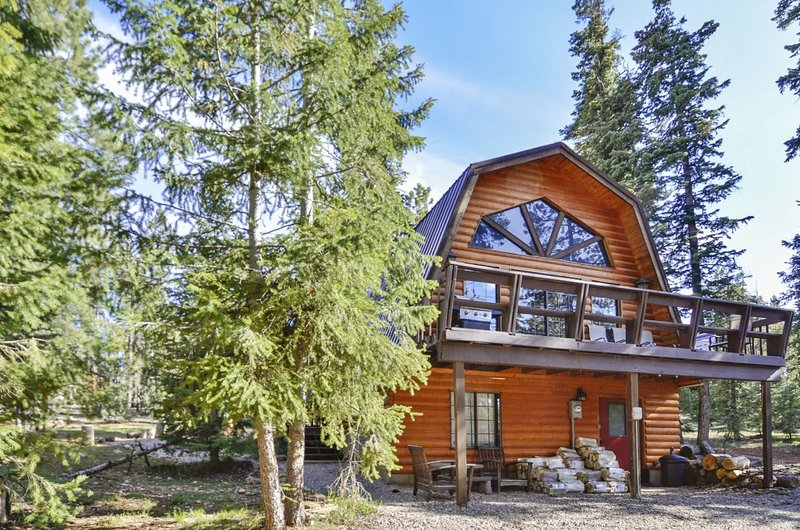 Eagle Crest Cabin 3 bedroom / 2 bath (Sleeps 10), casa vacanza a Duck Creek Village