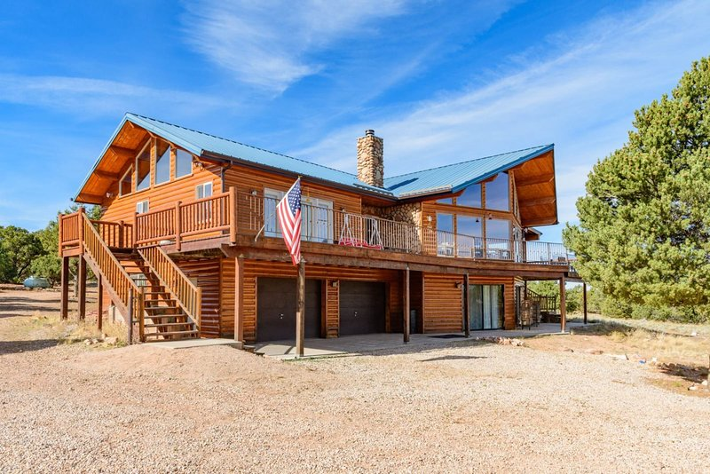 Red Canyon Lodge, holiday rental in Summit