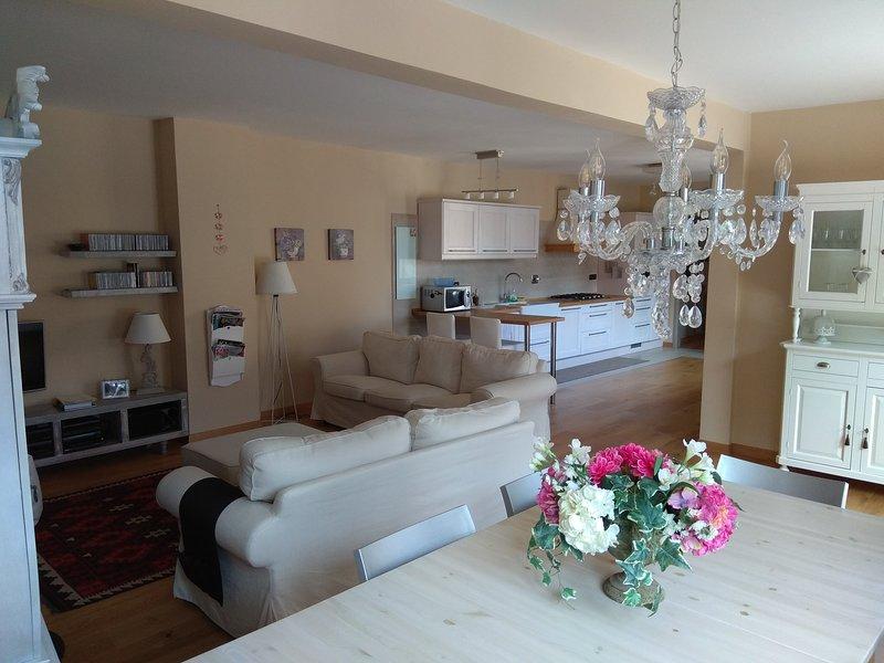 Casa di Marco e Sabrina - vicino a Torino e al lago di Candia, vacation rental in Albiano d'Ivrea