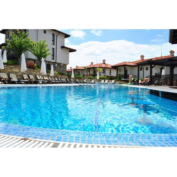 1 Bedroom apartment with plunge pool on Bay View villas with a plunge pool, holiday rental in Sarafovo