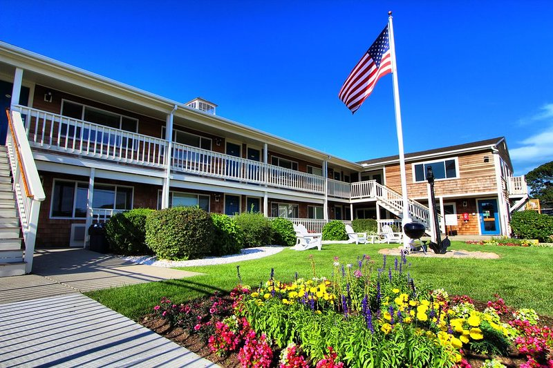 HarborWalk Inn 26 Robbins Rd Falmouth, MA