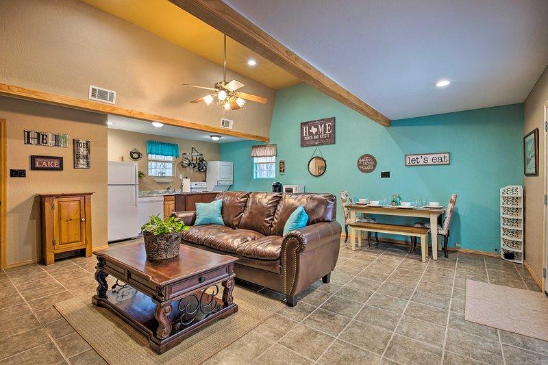Sgattaiolare via per un soggiorno rilassante in questa casa in affitto a Pottsboro!