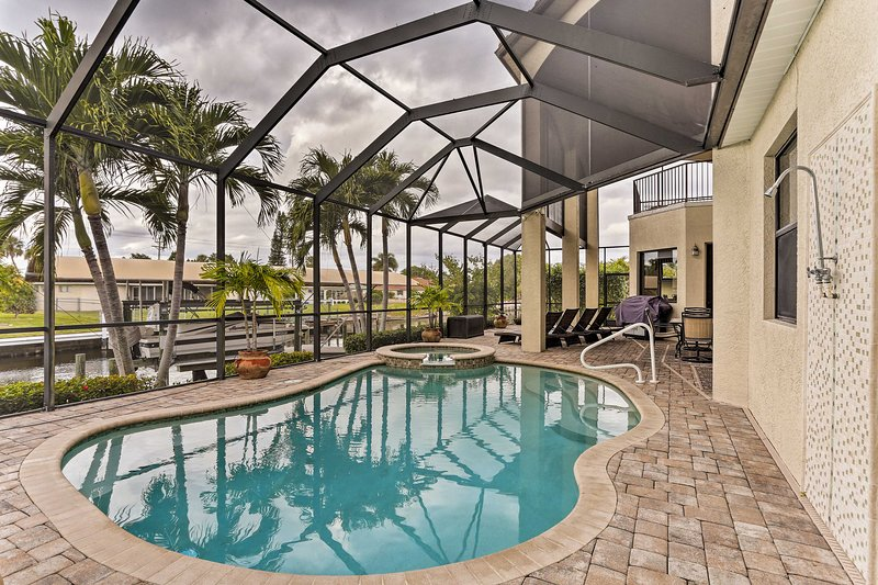 Guests will enjoy a private pool, hot tub & lanai with access to the Yacht Club!