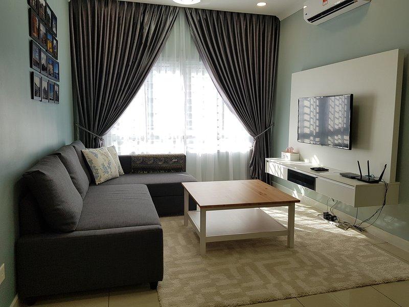 Aila's Abode (Cozy condo near Bangi, Putrajaya, Dengkil), vacation rental in Nilai