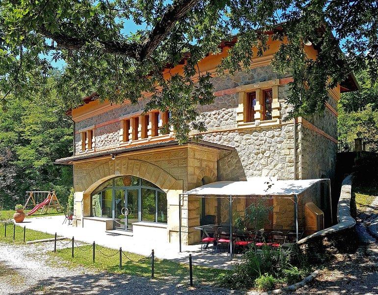 La fachada diseñada por un famoso arquitecto de principios del siglo XX.