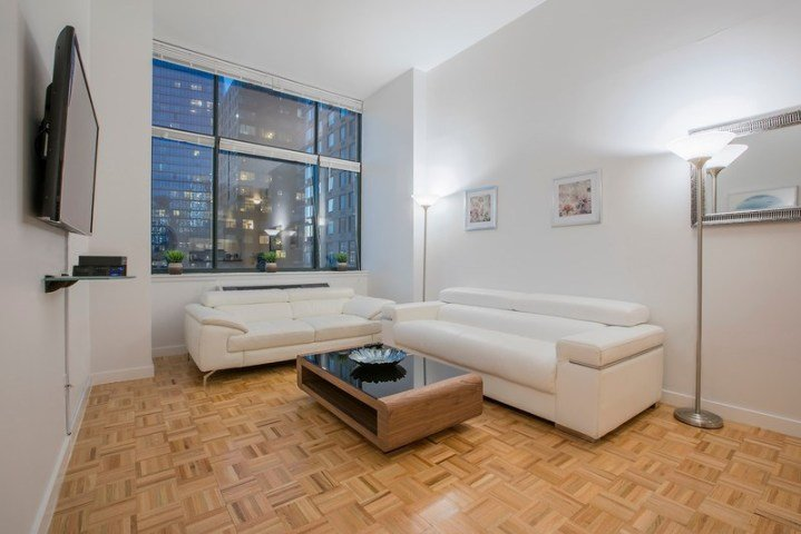 C14a Lincoln Center 2br 2ba Doorman Gym