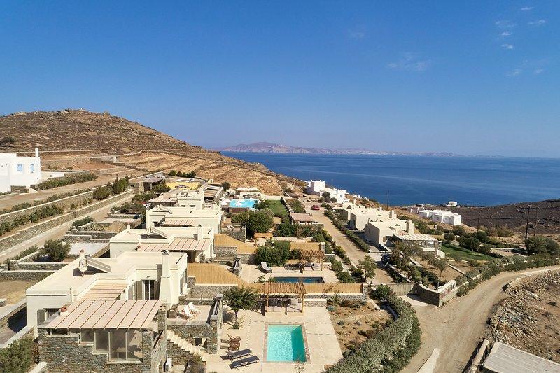 Diles & Rinies Estate of 8 Villas, holiday rental in Triantaros