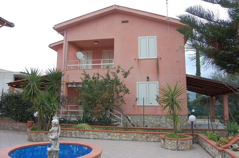 Villa Gorgo, confortevoli vacanze vicine al mare, holiday rental in Lascari