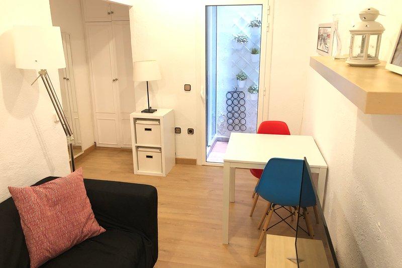 NEW! Apartment in Sarria, near Metro, alquiler de vacaciones en Castellbisbal