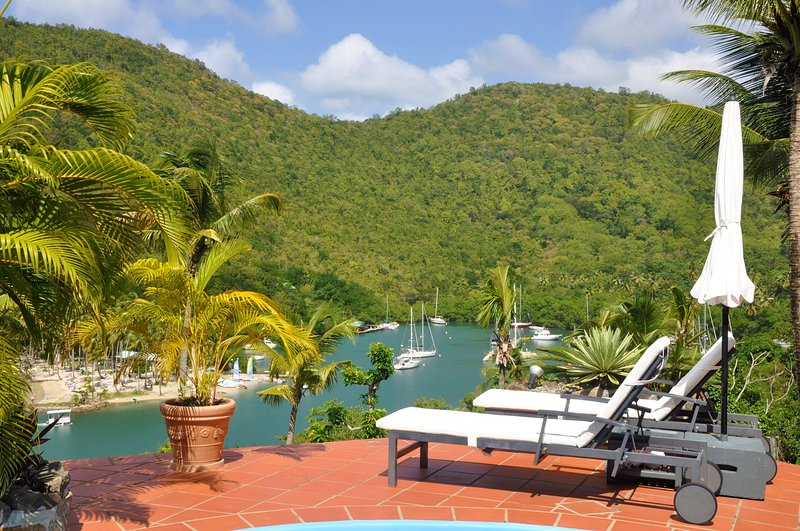 The luxury Clarance Studio at Marigot Palms, aluguéis de temporada em Marigot Bay