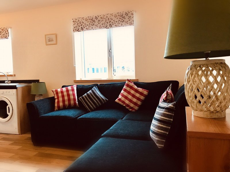 Flat 3 at The Store - Kirkwall Self-Catering Apartment, location de vacances à Mainland