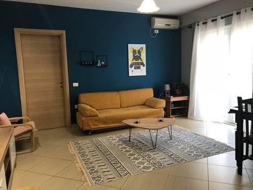 Elona's apartment 10 mins to city center, holiday rental in Tirana
