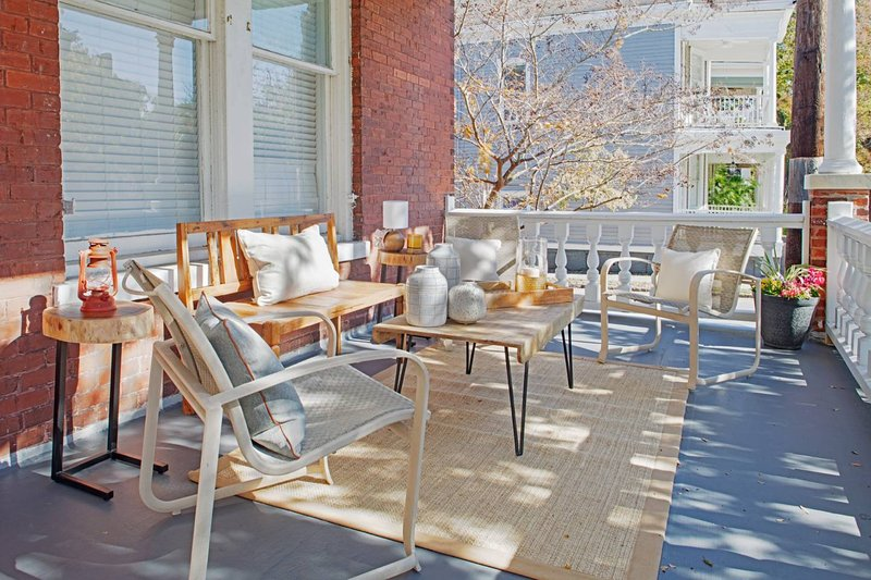 420B Waldburg st · Beautiful Brick 2 Bedroom Home, vacation rental in Thunderbolt