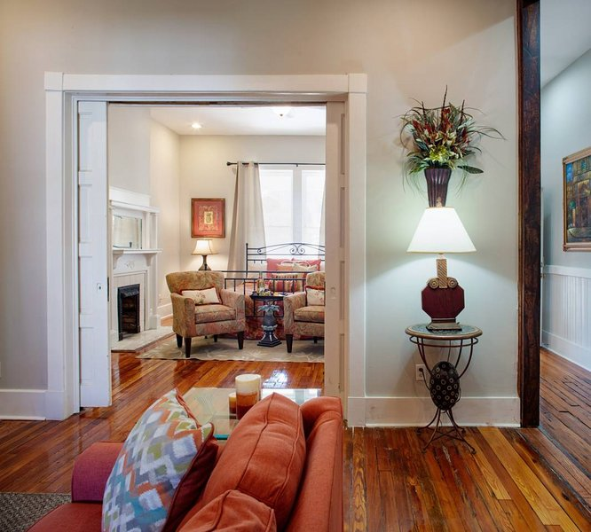 416A Waldburg st · Newly Renovated 1920's Historic District Apt, vacation rental in Thunderbolt