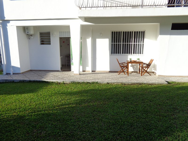 Très agréable F1, idéal pour couple, holiday rental in Basse-Terre