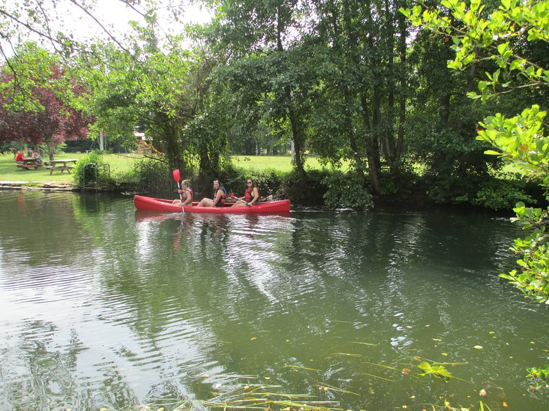 Aluguer de canoa local disponível - 5 minutos a pé