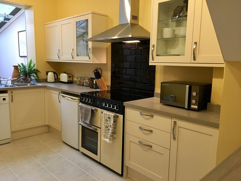 Cathedral View - 3 bedroom town house, vacation rental in Harnham