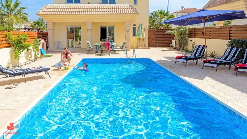 Villas4kids, Villa Sophia baby & toddler friendly – semesterbostad i Paralimni