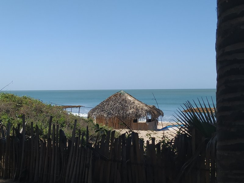 Unspoiled Paradise5Beach , original african lux House , 40 m. from Atlantic, location de vacances à Division de la côte ouest