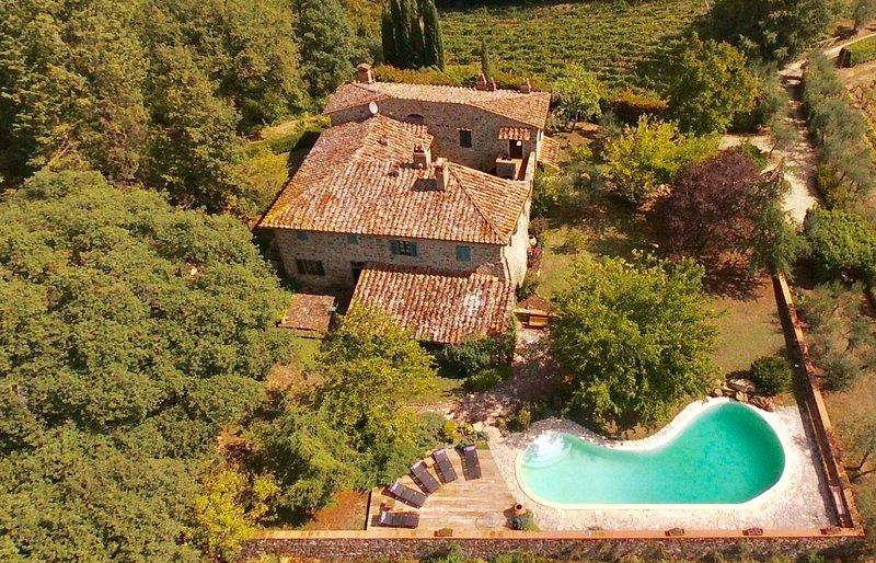 Porciglia Alta, luxury country house located in the heart of the Chianti region, casa vacanza a Casole