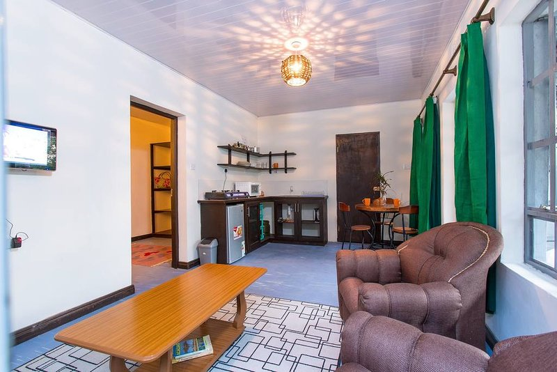 Muthoki Country Lodge - One bedroom cottage B2, holiday rental in Eastern Province