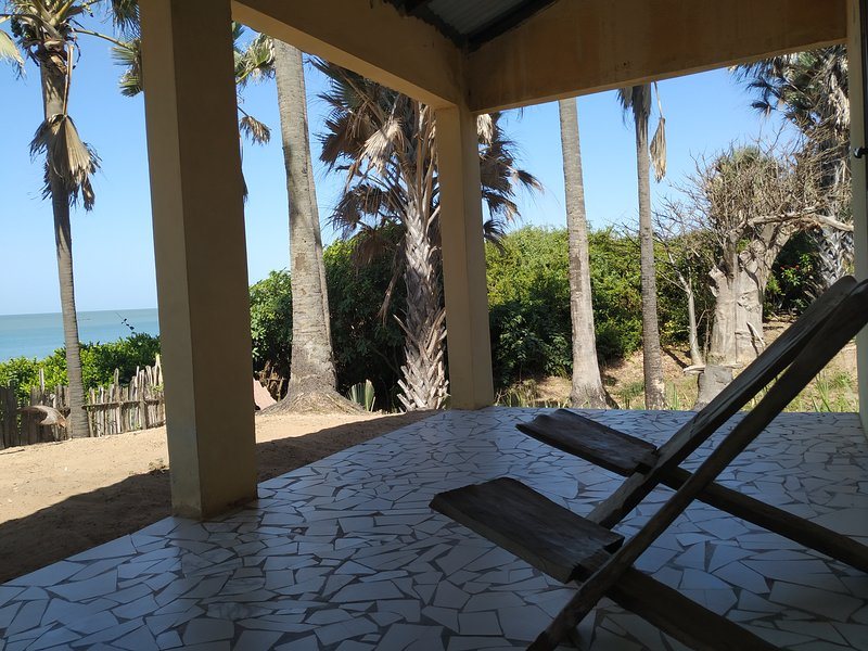 Bungalow 1Atlanticview&Sound at unspoiled Beach, South Gambia, casa vacanza a Sanyang