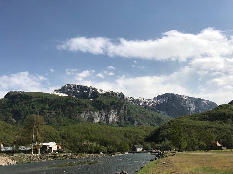 Riverside Guesthouse, casa vacanza a Gusinje Municipality