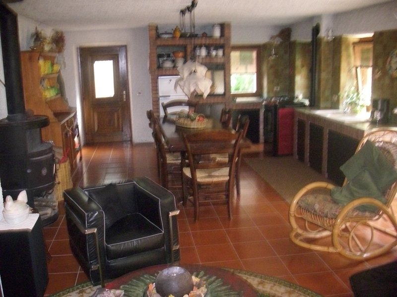 Nice house - 10 km from the slopes, holiday rental in Limana