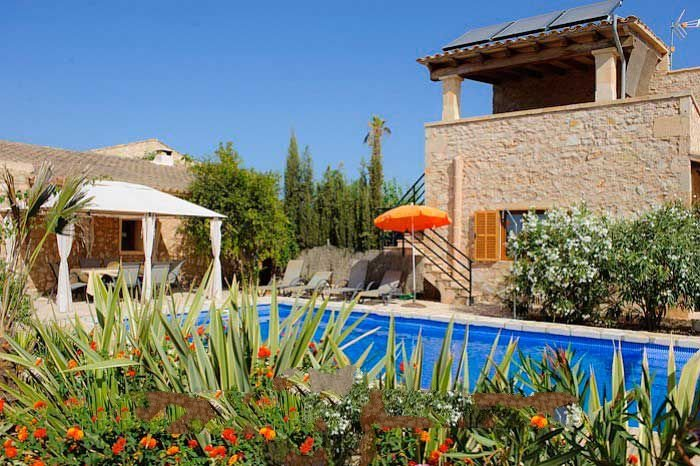 Cas Concos Farmhouse Sleeps 6 with Pool Air Con and WiFi - 5000839, holiday rental in Cas Concos