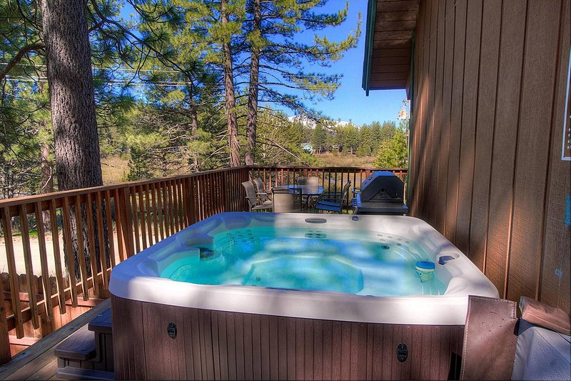 Hillside Hideaway - hch0900 hot tub