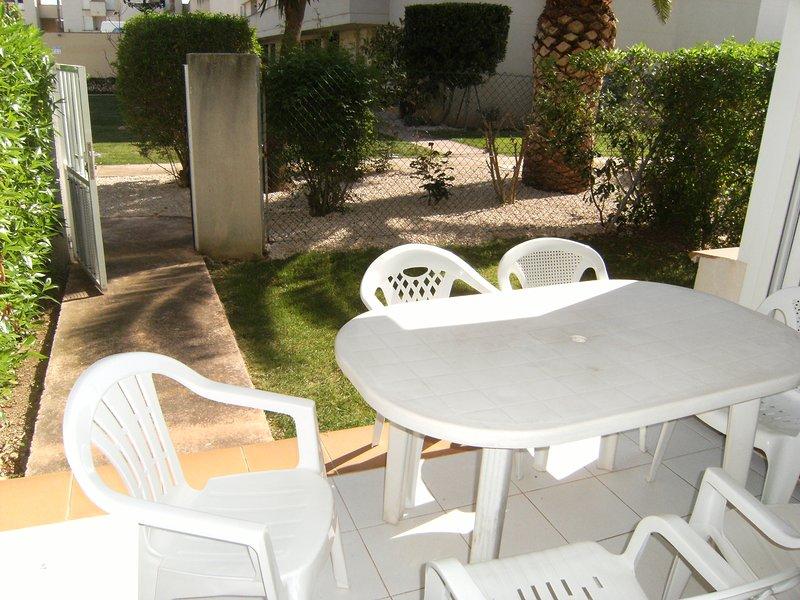 APART MONTERO 6. APART. CON PISCINA EN PLANTA BAJA 6-7 PRES. 50M. PLAYA, alquiler de vacaciones en Vinaròs