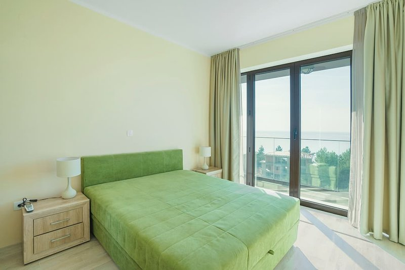 Adria Lux Apartments Sveti Stefan - Three Bedroom Suite (Unit 1), holiday rental in Sveti Stefan