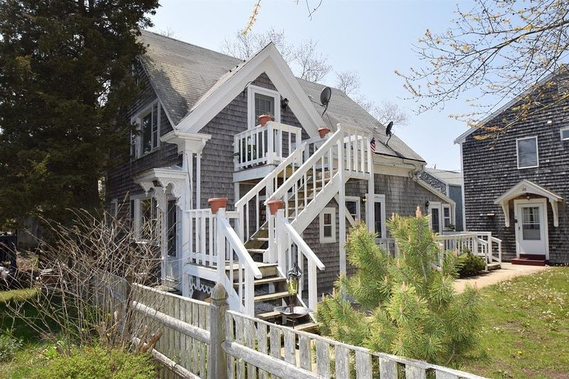 #118: In the Heart of Provincetown! Walk to Water & Downtown! Dog Friendly!, vacation rental in Provincetown