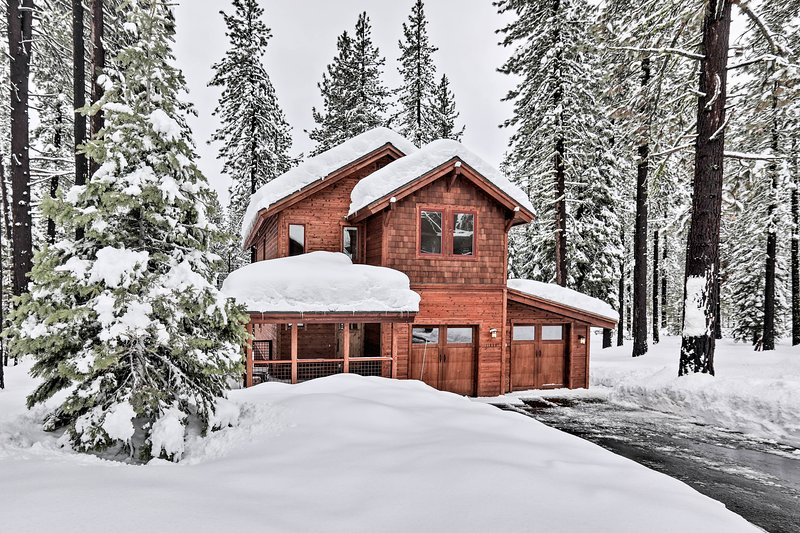 Mountain Modern Truckee Home w/Deck & Views! Has DVD Player and Washer -  UPDATED 2021 - Tripadvisor - Truckee Vacation Rental